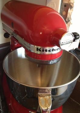 red kitchen aid